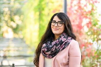 Büsra Otlu (26), Fachspezialistin im Rechtsdienst der AXA-ARAG.