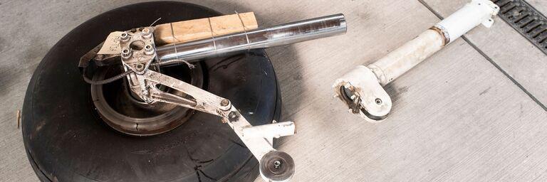 Ursache des prekären Zwischenfalls: ein gebrochener Bolzen im Fahrwerk.